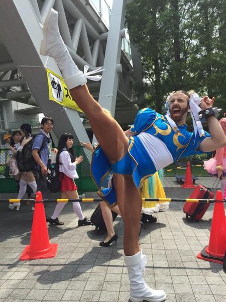 """Ini dia cosplayer unik dan lucu menjadi Chun-Lie ( dalam game """"Street Fighter"""" )"""