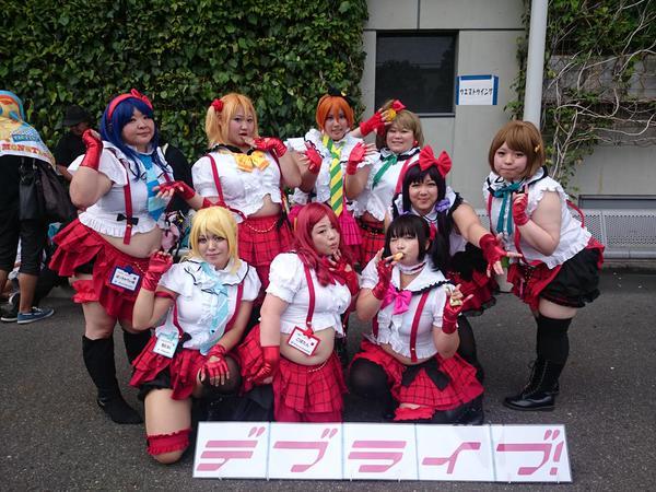 """Cewek-cewek gendut ini menjadi cosplayer dalam anime """"Love live school idol"""" , apakah kamu suka juga dengan anime love live?"""